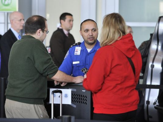 How Travellers Can Spot Suspicious Behaviors